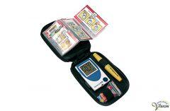 SensoCard Plus compacte Nederlands- en Engelssprekende bloedsuikermeter.