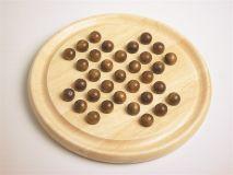 Solitair, houten spel met houten knikkers