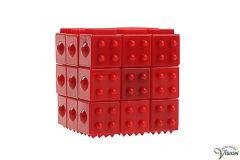 Mensa's Haptic kubus puzzel voorzien van voelbare structuren voor het trainen van de kleine cellen.